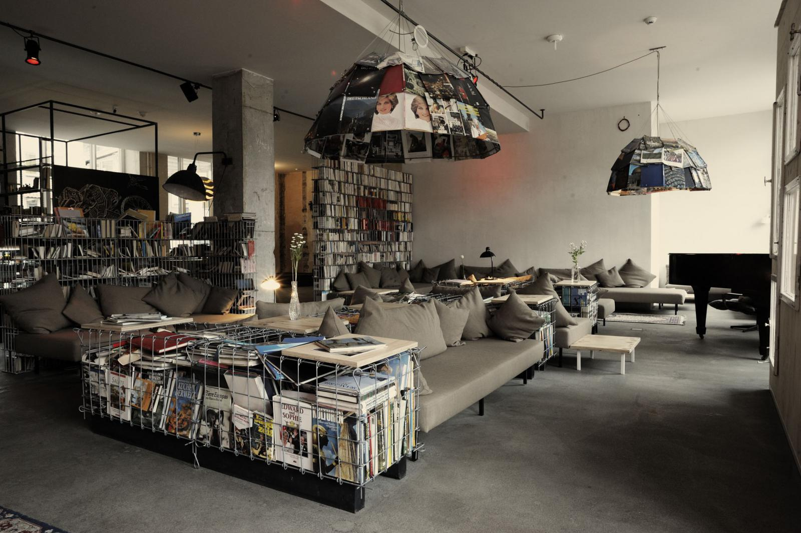 Michelberger-Hotel-lounge-room-hipster-hotels