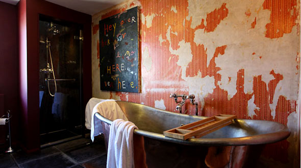 Rough-luxe-room8-bathroom-hipster-hotels