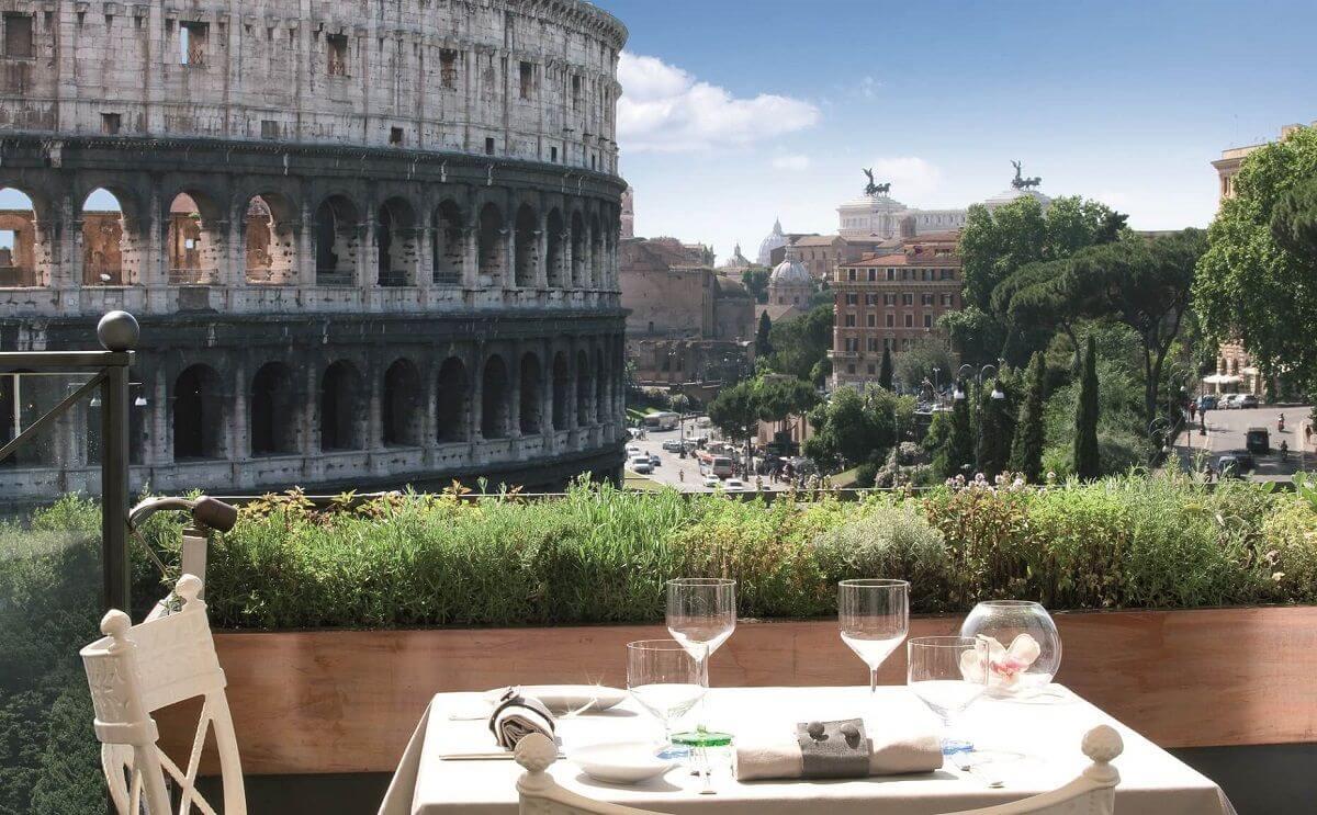 8 Palazzo-Manfredi-Aroma-Day δωματια με θεα αξιοθεατα κολοσσαιο ρωμη
