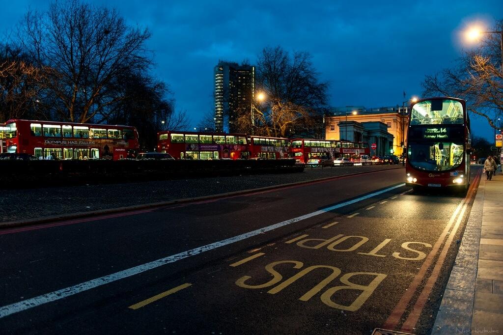 bus stop london συμβουλες οικονομικο ταξιδι εξωτερικο συμβουλες οικονομικο ταξιδι εξωτερικο