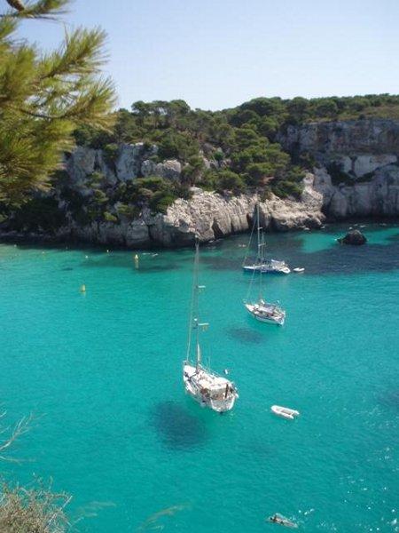 Aussicht auf die Bucht von Cala Macarella