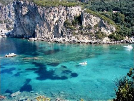 Das Meer in der Region Paleokastritsa