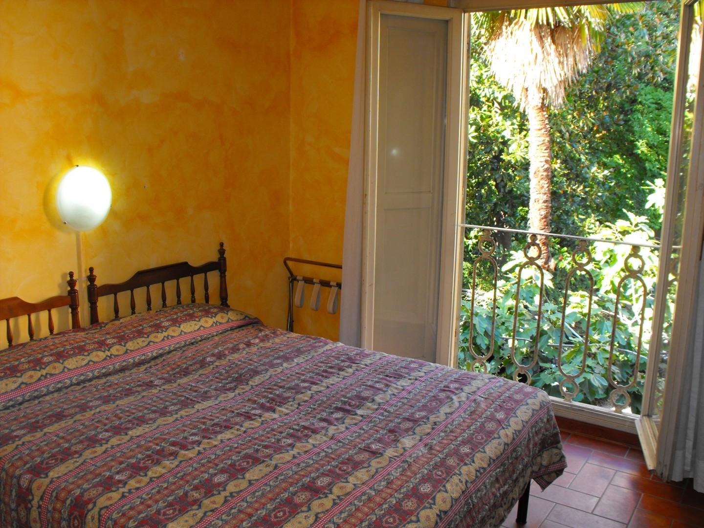Zimmer im Crocini mit Blick in den Hotelgarten