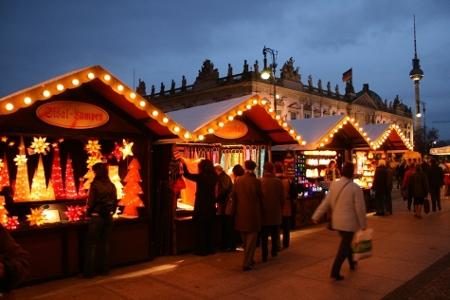 Nostalgischer Weihnachtsmarkt am Abend, Foto: Nostalgischer Weihnachtsmarkt Berlin / Sven Fischer