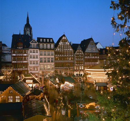 Ostzeile des Frankfurter Weihnachtsmarkt, Foto: Tourismus+Congress GmbH Frankfurt am Main