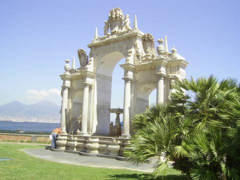 Brunnen an der Promenade Lungomare Caracciolo