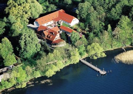 Blick auf das Seehotel Heidehof von oben
