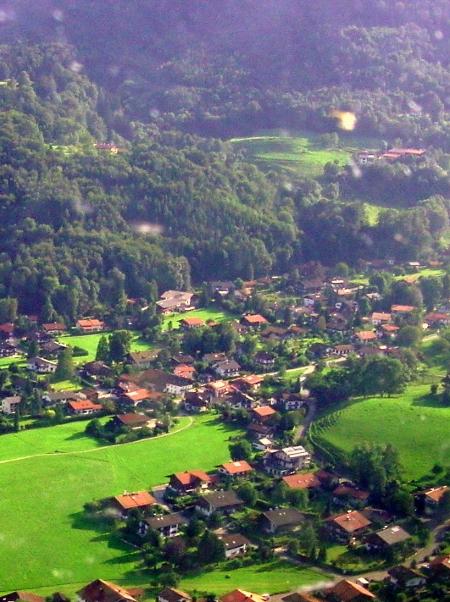 Die Umgebung des Landhotel Gabriele von oben betrachtet