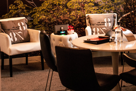 Im Hotel Mozaic wird den Gäste stets Kaffee und Tee sowie kostenloses WLAN angeboten.