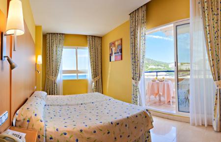 Blick in eines der Zimmer des La Cala Hotels, Benidorm