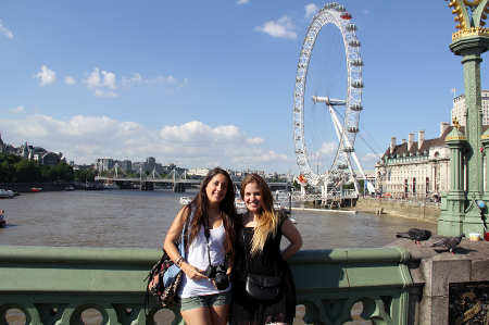 Raquel und Elisabet am London Eye.