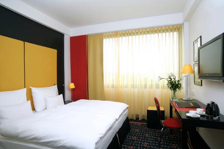 Blick in eines der Zimmer des angelo Munich Hotel.