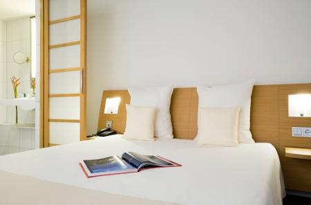 Zimmeransicht des Novotel München Hotels.