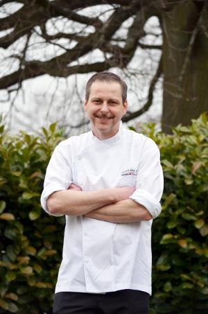 Im Gourmetrestaurant Buddenbrooks genießen die Gäste kulinarische Köstlichkeiten von Küchenchef Christian Scharrer