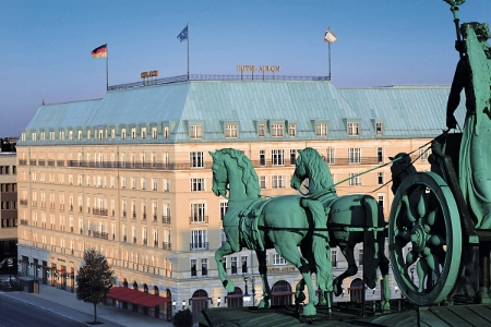 Das Hotel Adlon Kempinski in Berlin.