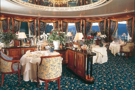 Im Gourmetrestaurant LePavillon serviert Zwei-Sterne-Koch Martin Herrmann kreative Feinschmeckerspeisen der französischen Grand Cuisine.