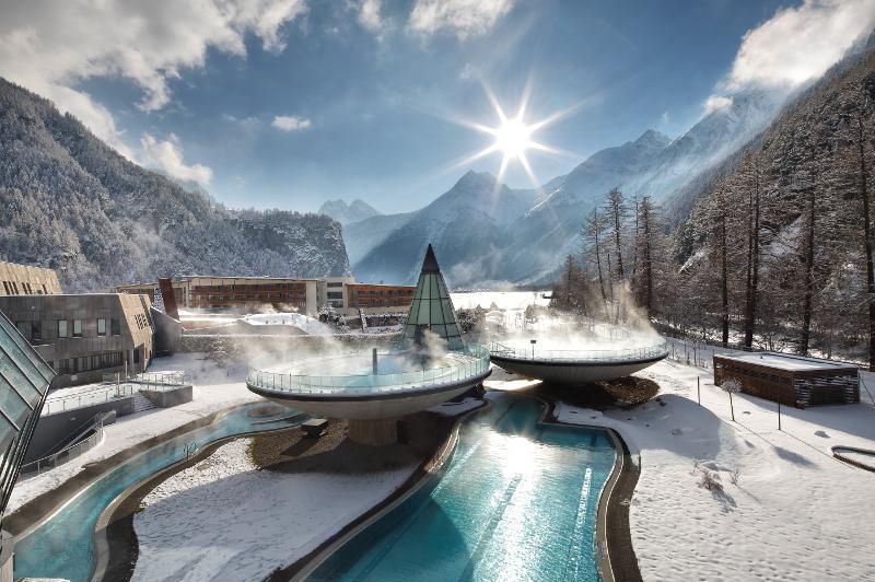 Hotel AQUA DOME Tirol Therme in Längenfeld in Österreich.