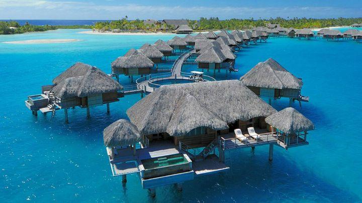 Die Außenansicht des Hotels Four Seasons Bora Bora - INSIDE trivago mit Laureen Roesch-Ahrens aus Dax, Frankreich
