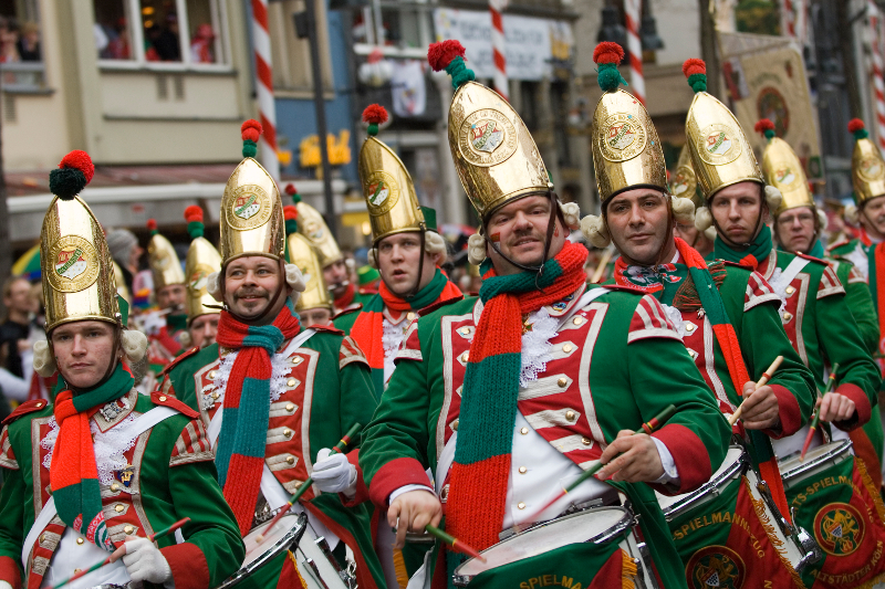 Karnevalskappelle auf dem Rosenmontagszug.