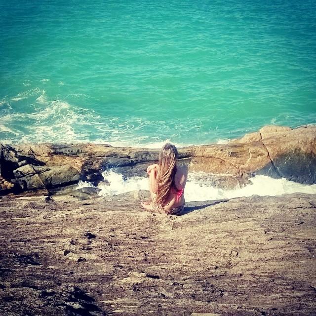 Brasilianerin an der Küste.