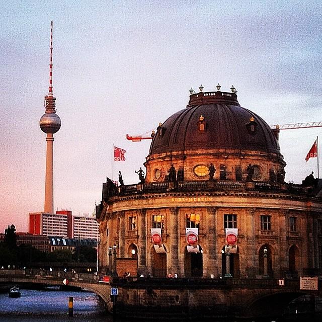 Museumsinsel Berlin bei Abendröte