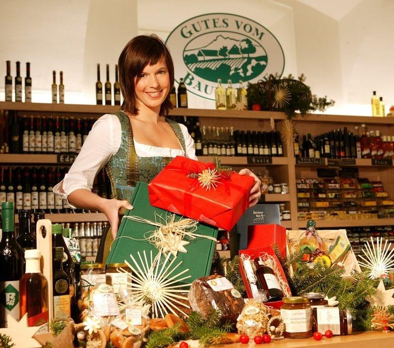 Weihnachtsmarkt mit Produkten vom Bauernhof