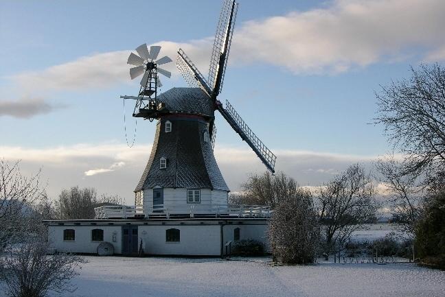 Heiratsantrag Schnee Mühle Windmühle