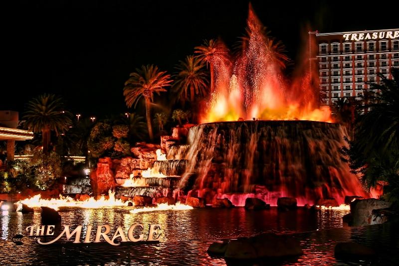 Hotel Mirage Volcano