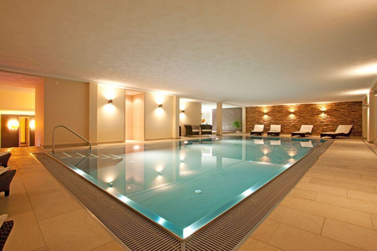 Swimming Pool Wellnessbereich Hotel Lipprandt