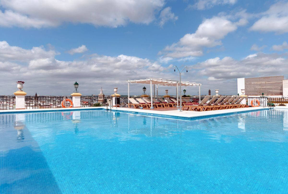 Hotel Tryp Macarena Dachpool