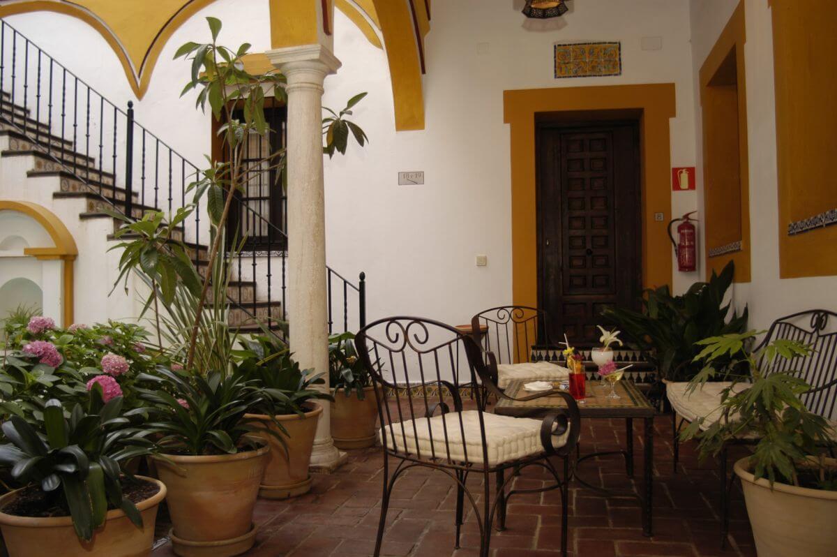 Hotel Casa Imperial Innenhof Sevilla