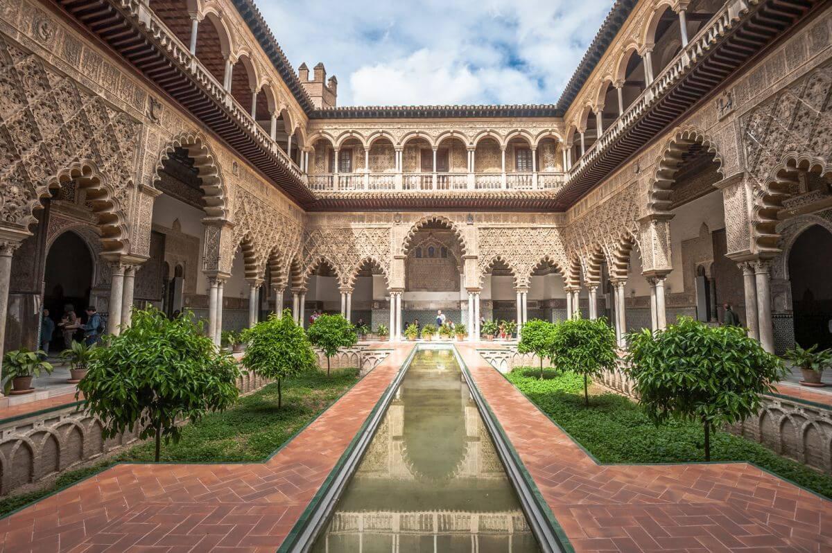 Innenhof im königlichen Alcazar