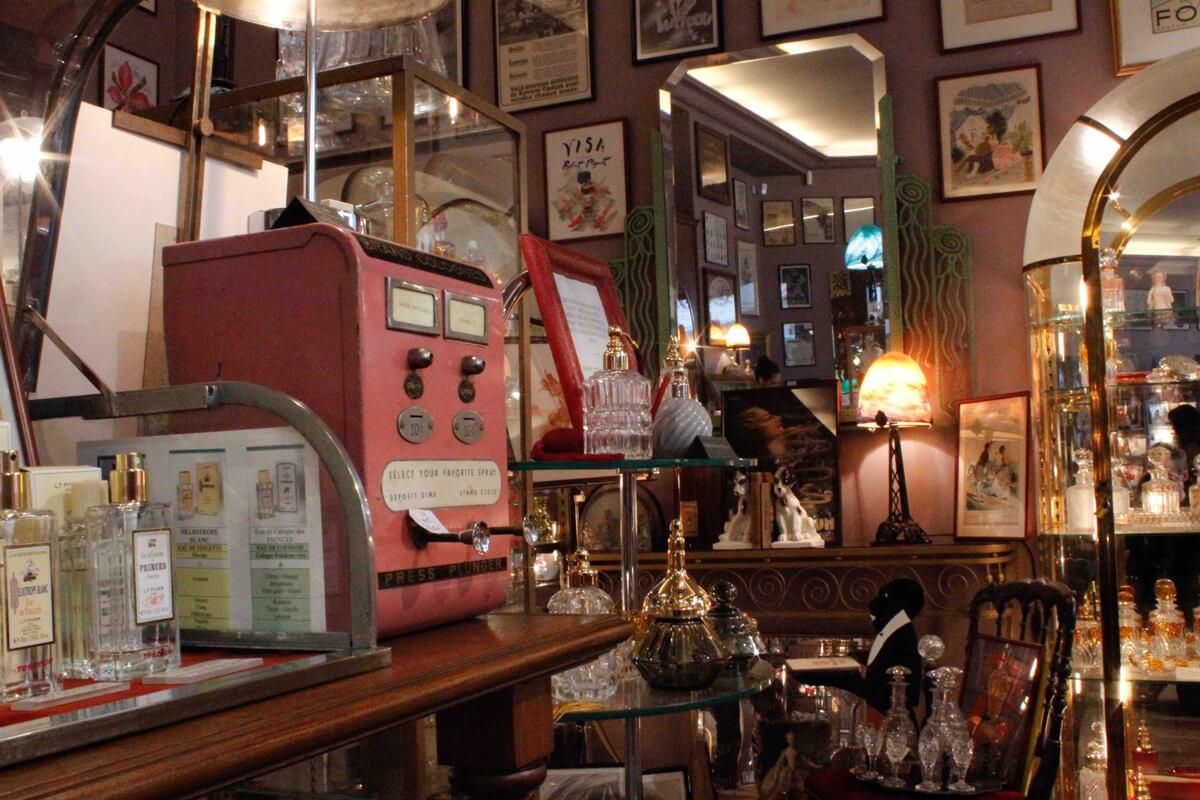 Pariser Parfümautomat im Belle de Jour