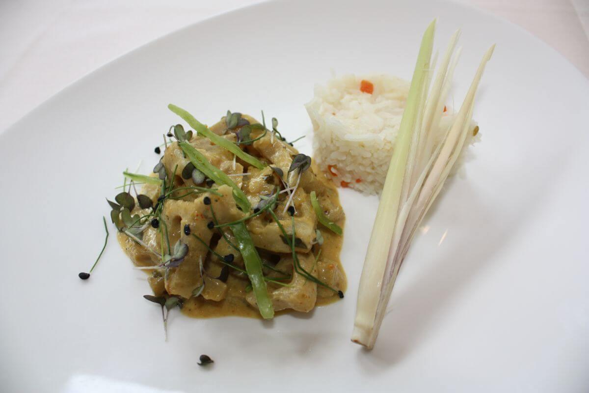 Veganes Lotuswurzel Curry Ayurveda Parkschlösschen