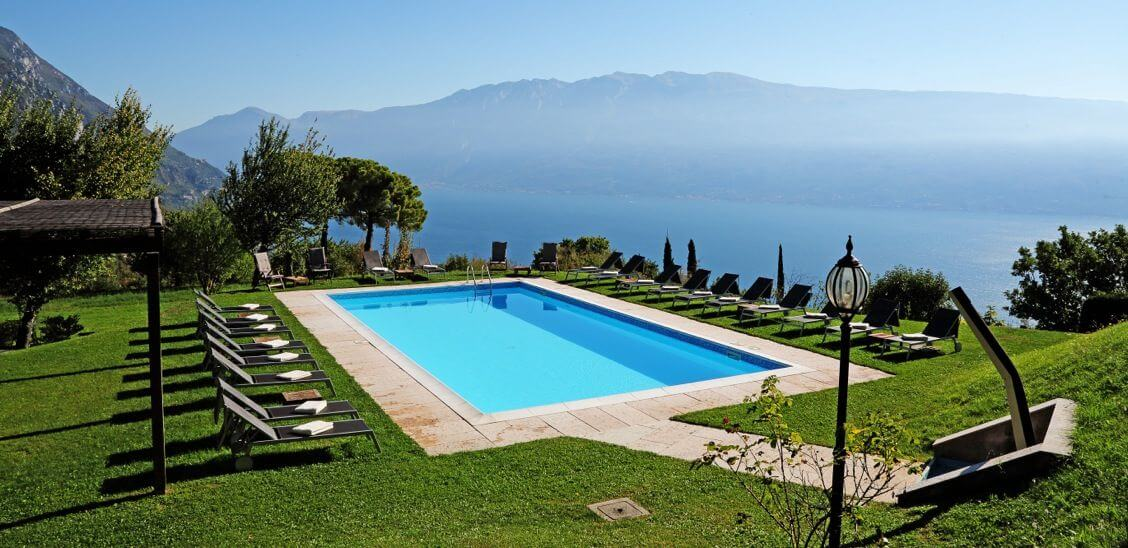 Gourmethotel am Gardasee: Außenpool Villa Sostaga