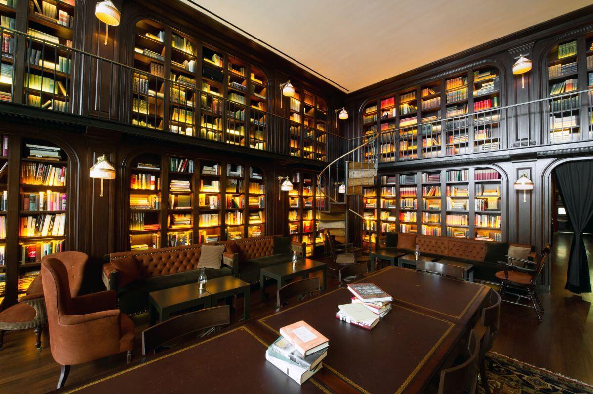 Hotel mit Bibliothek in New York