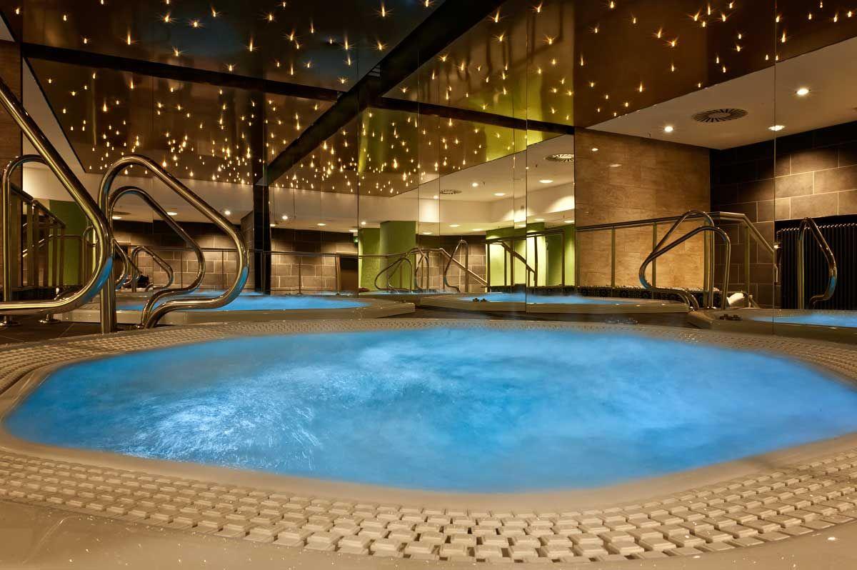 Pool&Spa im Adina Berlin Hackescher Markt
