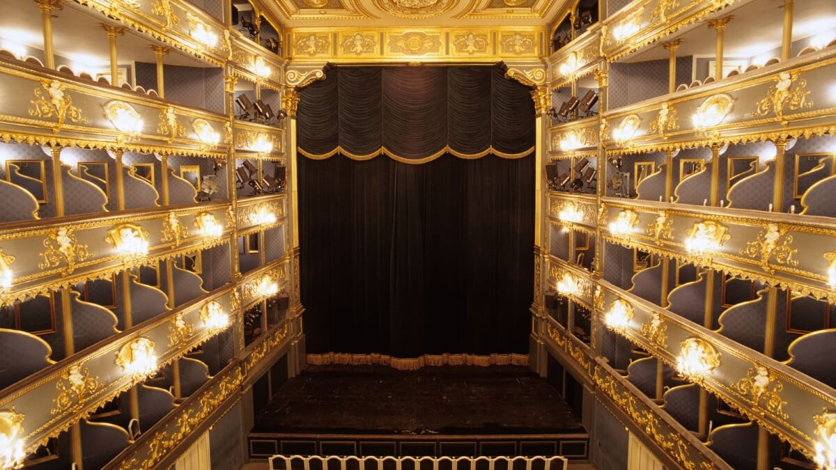 Oper in Prag