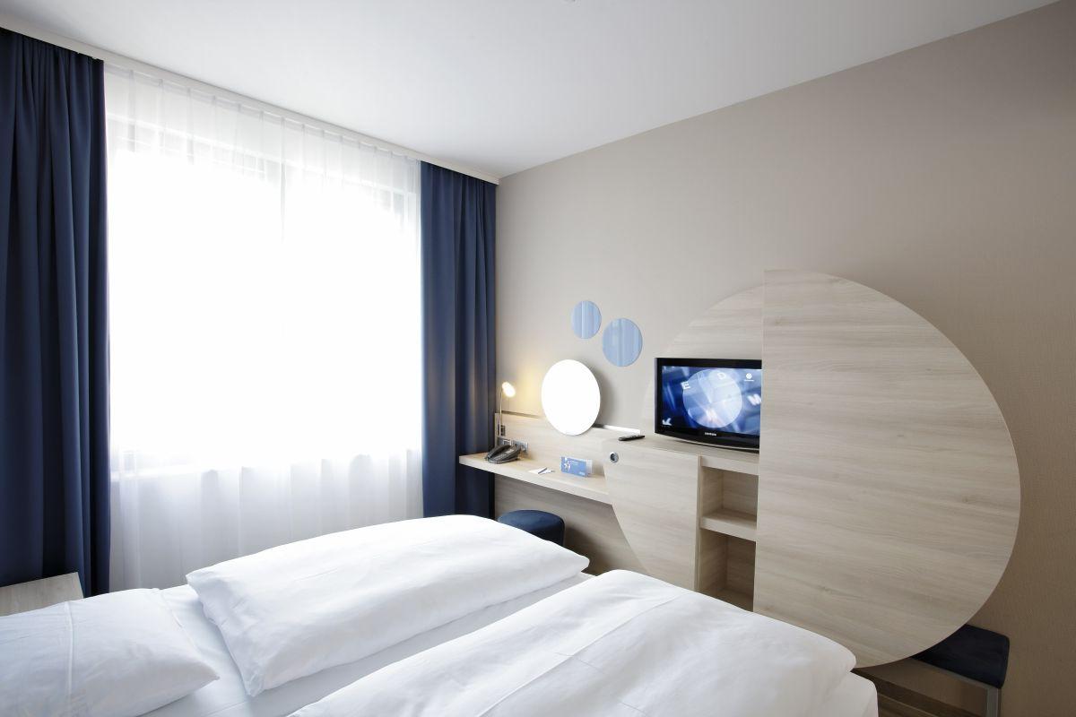 Stylisches Doppelzimmer im H2 Hotel Berlin